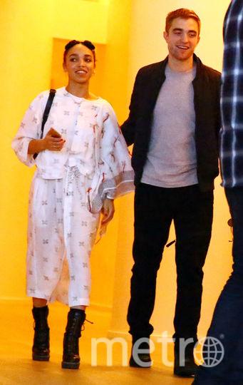 Роберт Паттинсон и FKA Twigs помолвлены. Фото Getty