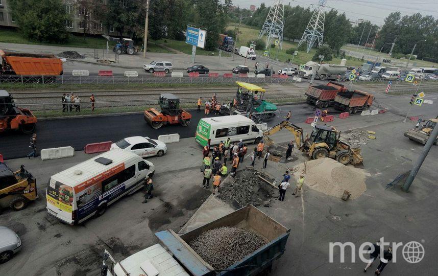 Шофёр снес ограждение исбил насмерть рабочего дорожной службы вПетербурге