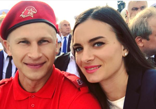 Елена Исинбаева на параде ВМФ в Петербурге.