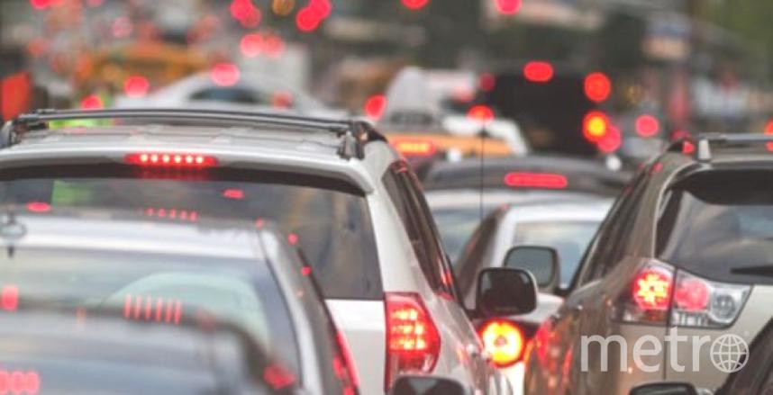 Автомобилистов на КАД ждут пробки.