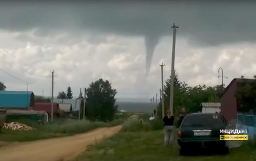 Водяной смерч напугал новосибирцев: Видео. Фото Скриншот Youtube