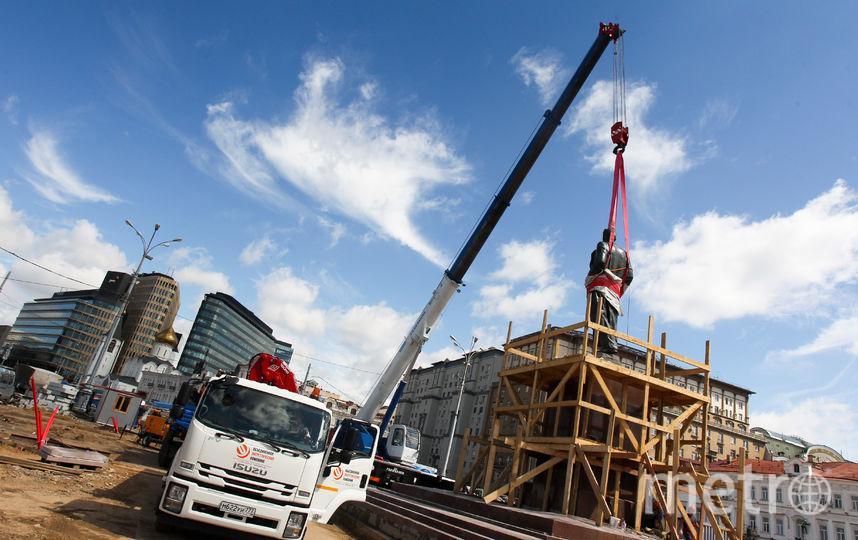 Памятник Горькому вернули в центр Москвы. Фото Василий Кузьмичёнок