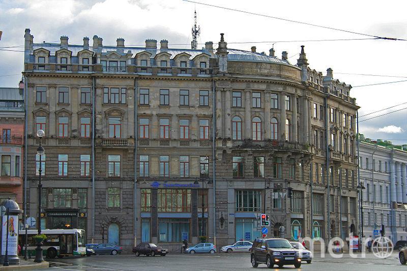 Знаменитый дом на Невском, 1, пока готовят к продаже | Александр савин.