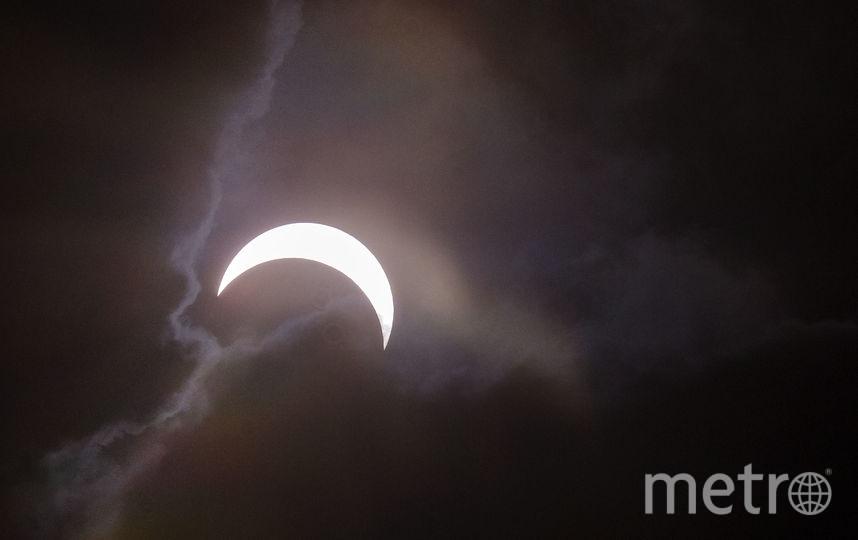 так за солнечным затмением наблюдали в 2016 году в Индонезии. Фото Getty