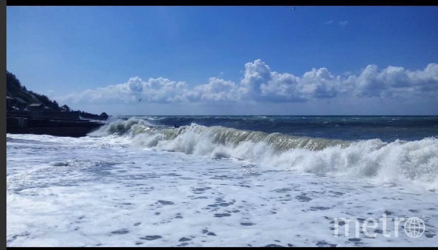 Вот такое море в эти дни в Кастрополе. Фото https://www.instagram.com/p/BXLSZADjT_Q/?taken-by=aldoschina