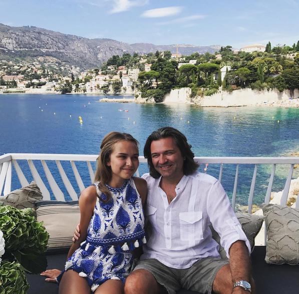 Стефания Маликова с папой. Фото Instagram Стеши.