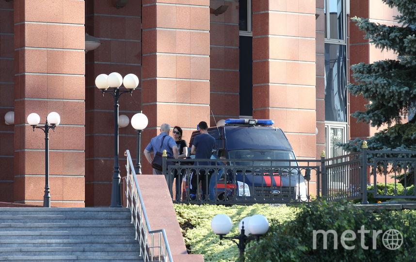 """Члены """"банды GTA"""", устроившие перестрелку в Мособлсуде, похитили ключи от наручников. Фото Василий Кузьмичёнок, """"Metro"""""""