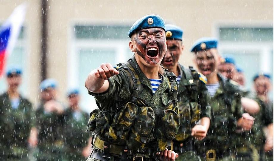 День ВДВ в Петербурге будет дождливым.