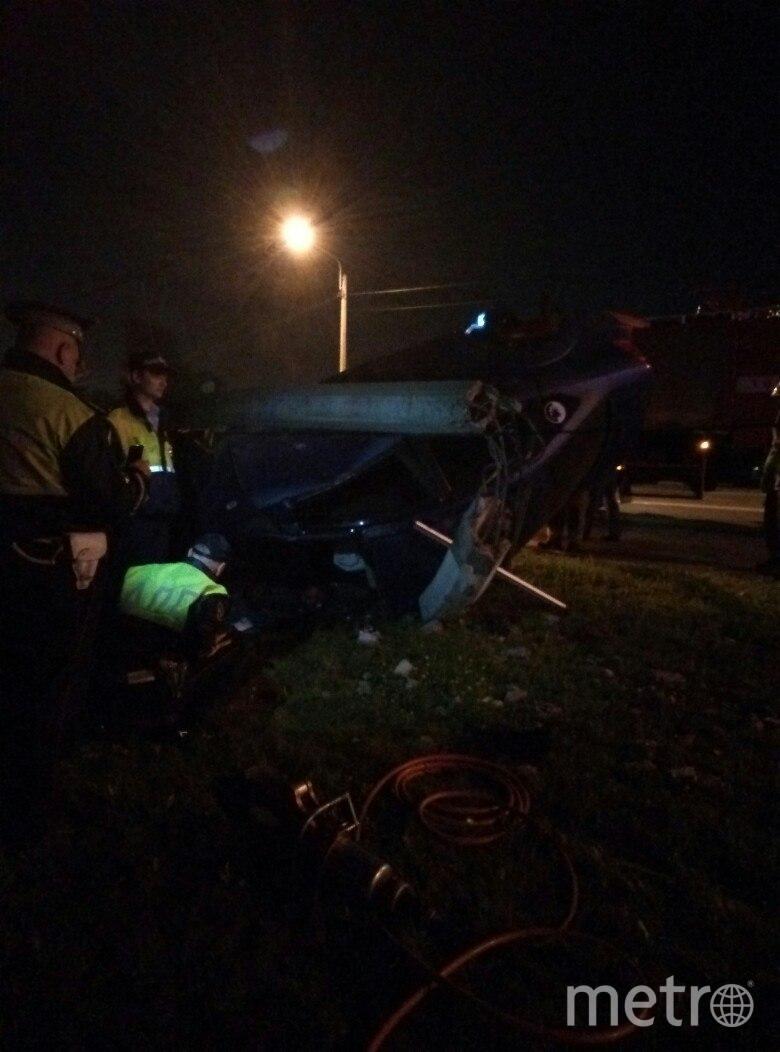 Автомобиль врезался в столб. Фото vk.com