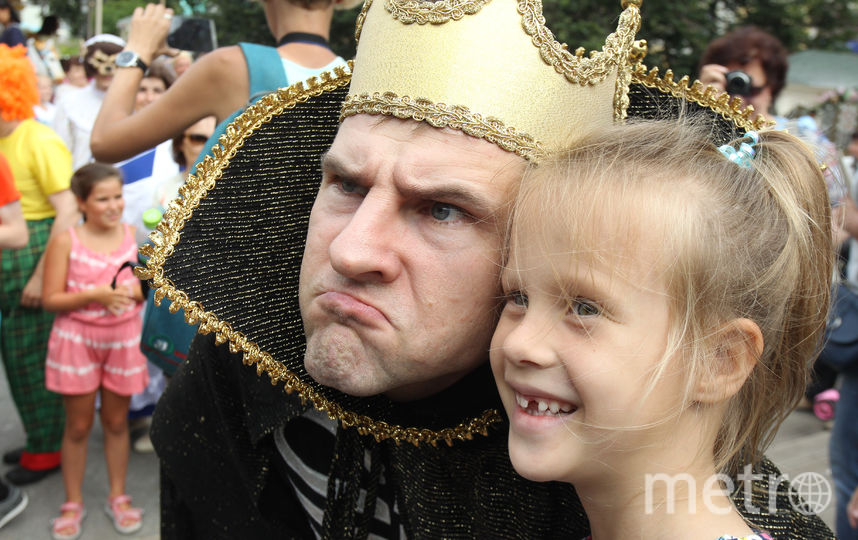 Костюмированные парад на Тверской. Фото Василий Кузьмичёнок