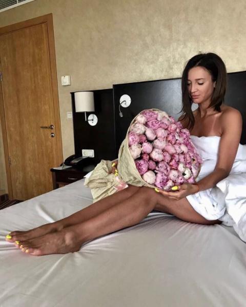 Ольга Бузова вЛас-Вегасе скучала побывшему мужу