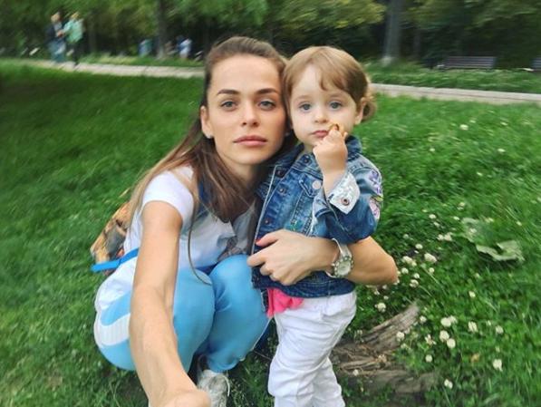 instagram.com/annakhilkevich/?hl=ru.