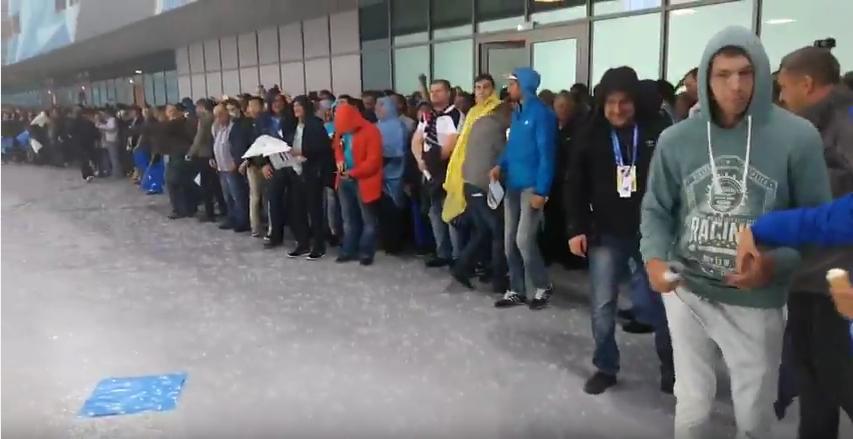 Крестовский остров в Петербурге накрыло градом. Фото Скриншот Youtube