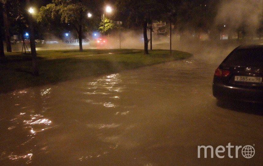 НаВасильевском острове ночью появился горячий потоп