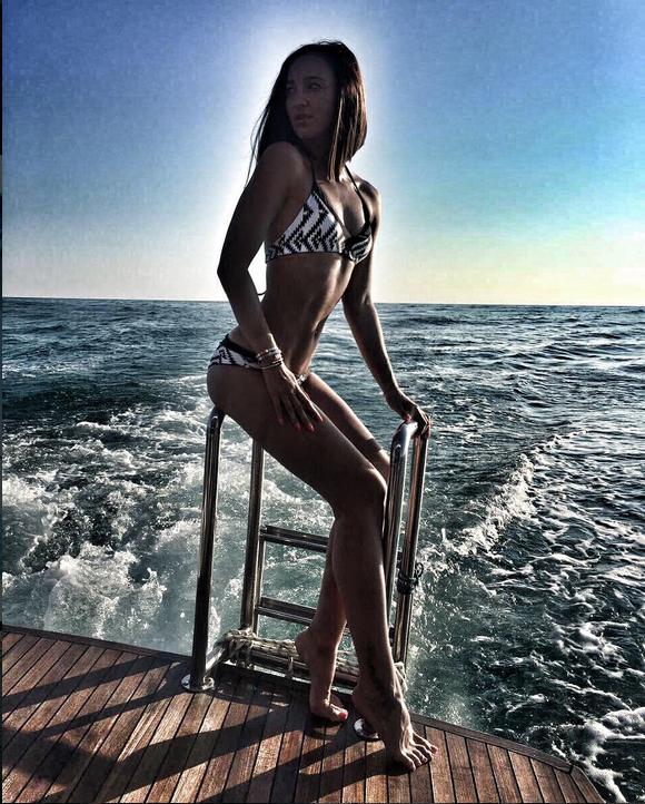 Ольга Бузова разделась в джунглях. Фото Скриншот/Instagram: buzova86