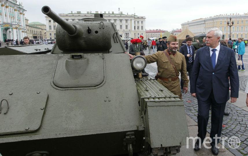Выставка военной техники наДворцовой площади продлится 5 дней