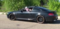 Видео с лихачом, который высунул грудничка из окна BMW, изучает следком