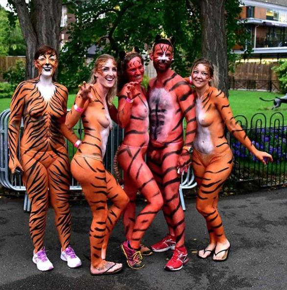 Участники забега. Фото скриншот с Instagram lovinglivinglondonlife
