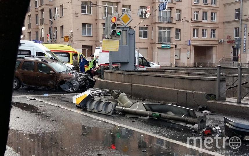 Серьезное ДТП наюге Петербурга попало навидео
