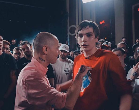 Скриншот с поединка Оксимирона и Гнойного. Фото скриншот Instagram norimyxxxo