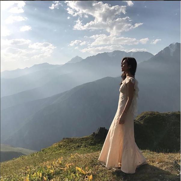 instagram.com/satikazanova/.