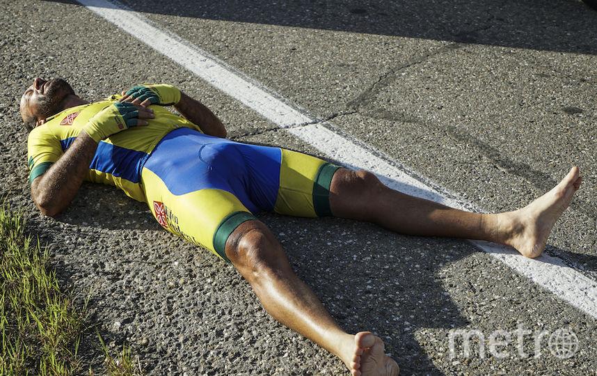 Марсело Флорентино Соарес отдыхал прямо на асфальте.