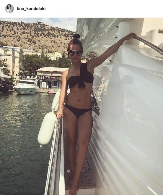 Тина Канделаки проводит отпуск в Крыму.