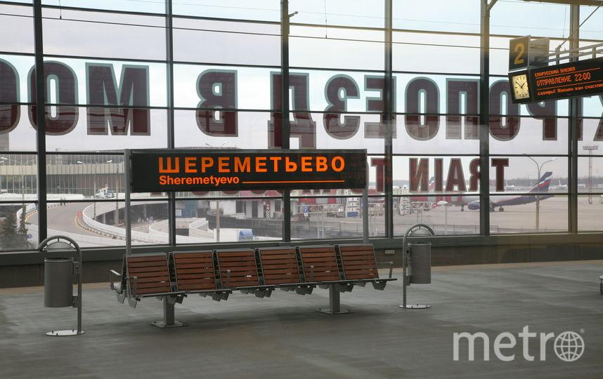 """В Шереметьево экстренно сел самолет из-за пьяного китайца, резавшего себя ножом. Фото Василий Кузьмичёнок, """"Metro"""""""