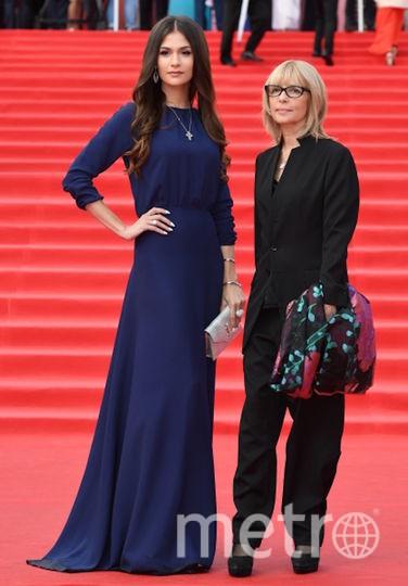 Вера Глаголева с дочерью Марией Шубской на ММКФ. Фото РИА Новости