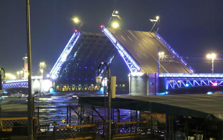 """За мостами Петербурга теперь можно следить в приложении. Фото """"Metro"""""""