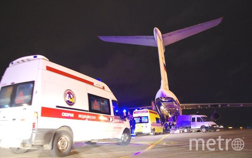 Бортом МЧС в Петербург нередко доставляют больных. Фото МЧС региона.