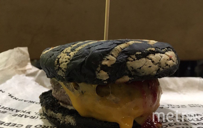 "Бургер ""Нобель"" из Burger Heroes – 3*. Фото Алёна Якубовская., ""Metro"""