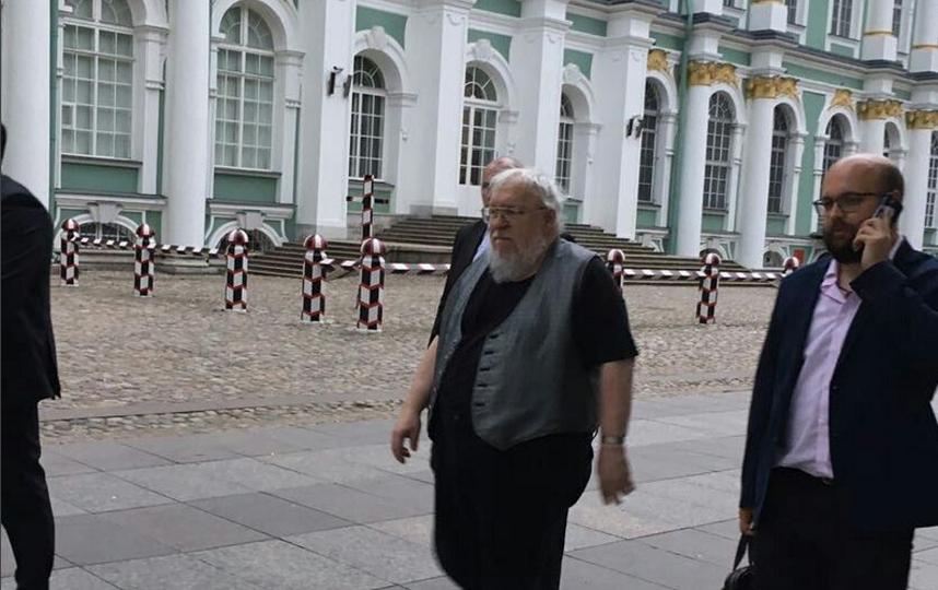 Джордж Р. Р. Мартин в Эрмитаже. Фото АСТ instagram.com/izdatelstvoas