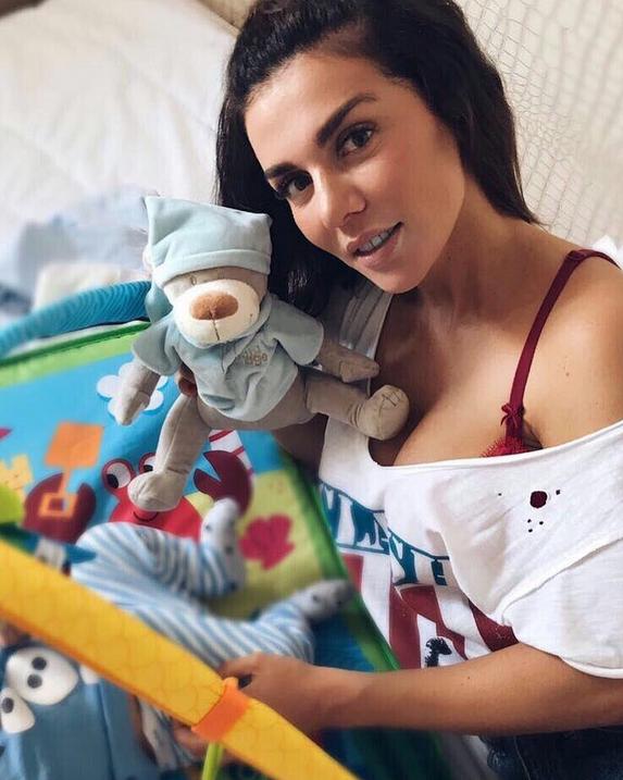 Анна Седокова разошлась с отцом своего третьего ребенка. Фото Скриншот/Instagram: annasedokova