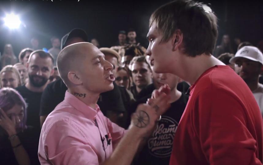 Батл Оксимирона и Гнойного. Фото скриншот YouTube.