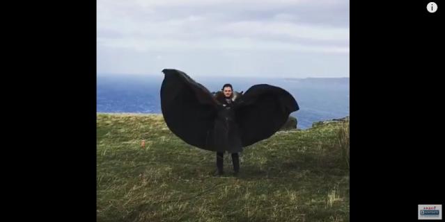 Кит Харингтон в образе Джона Сноу показал дракона и набрал 11 млн просмотров в Instagram