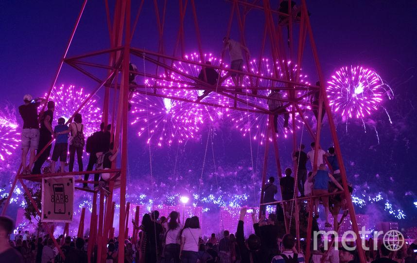 """Международный фестиваль фейерверков в Москве. Фото Василий Кузьмичёнок, """"Metro"""""""