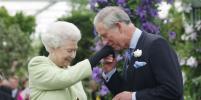 Times: Елизавета II не хочет уступать престол принцу Чарльзу
