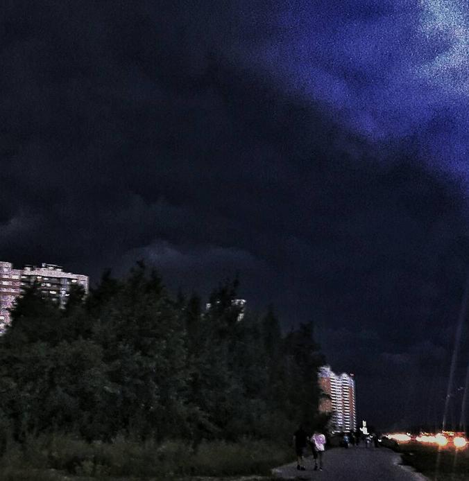 "Над Петербургом прошли ""тучи апокалипсиса""."