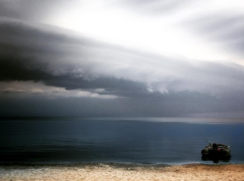 """Над Петербургом прошли """"тучи апокалипсиса"""". Фото https://www.instagram.com/lenswithme/"""