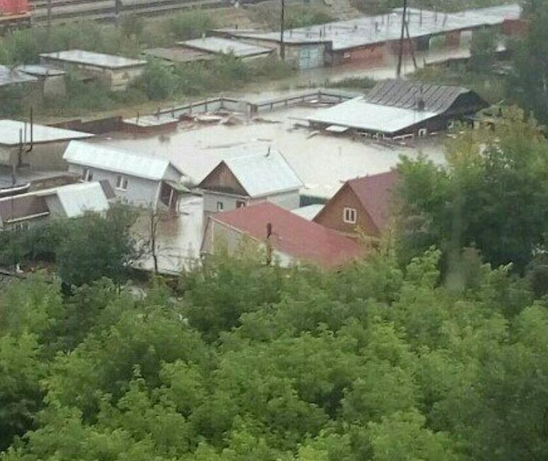 Красноярск ушел под воду: в городе объявлен режим ЧС. Фото Скриншот www.instagram.com/gille.anastasiya/