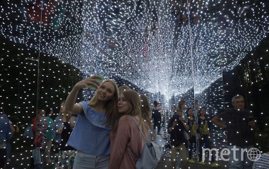 """Москвичи в парке """"Останкино"""". Фото РИА Новости"""