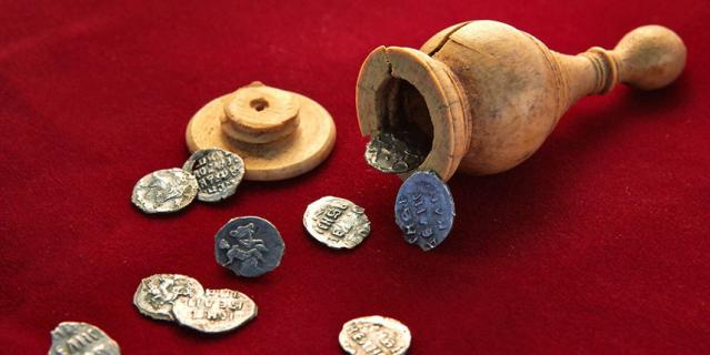 Шахматный клад, который обнаружили на Пречистенке, относят к эпохе Ивана Грозного.