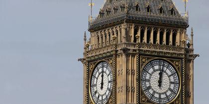 Часы на башне Биг-Бен в Лондоне прозвучали в последний раз