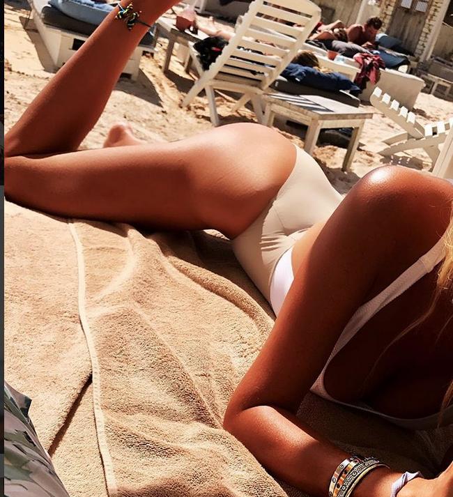 Виктория Лопырева - фотоархив. Фото все - скриншот www.instagram.com/lopyrevavika/