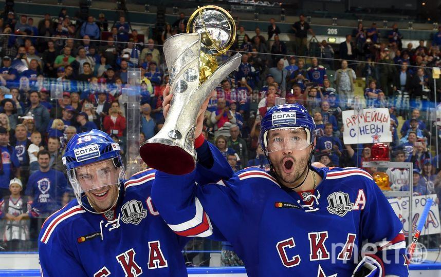 Павел Дацюк и Илья Ковальчук с Кубком открытия. Фото photo.khl.ru | Юрий Кузьмин