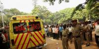 В Индии почти 500 человек пострадали на фестивале метания камней – видео
