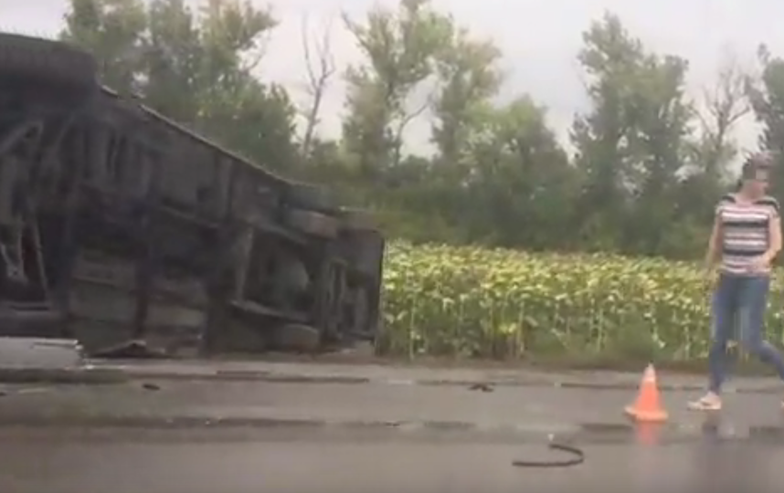 Число пострадавших в ДТП в Ростовской области возросло до 27 человек. Фото Все - скриншот  видео vk.com/26stav