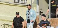 Москвичи требовали свободы для режиссёра Кирилла Серебренникова: репортаж Metro