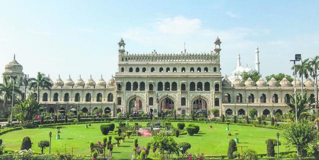 Красота на каждом шагу. В Индии очень много прекрасных храмов и дворцов.
